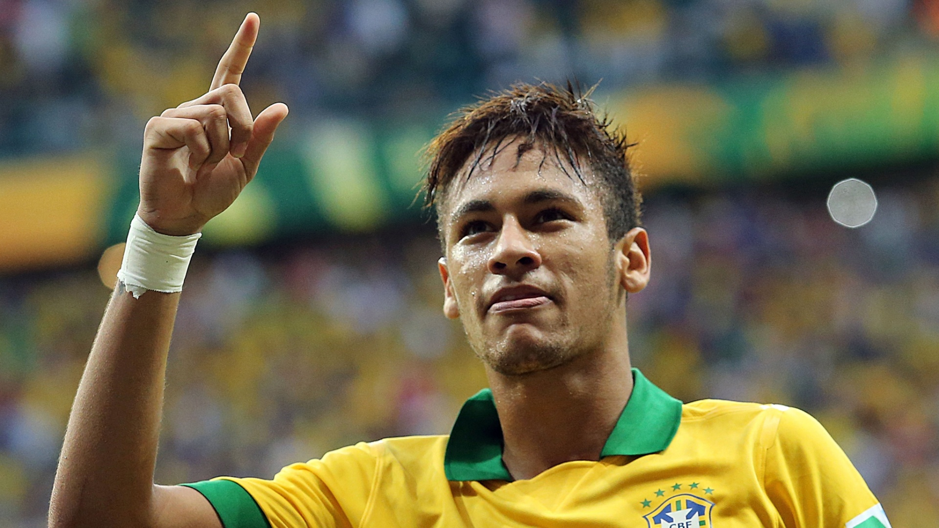 Neymar in home